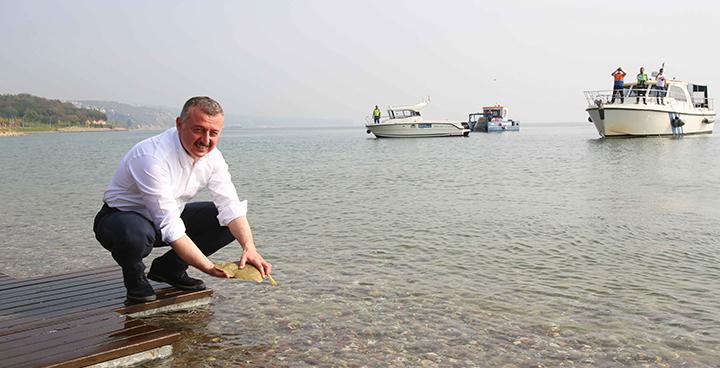 Kocaeli Büyükşehir Belediye Başkanı Doç. Dr. Tahir Büyükakın,