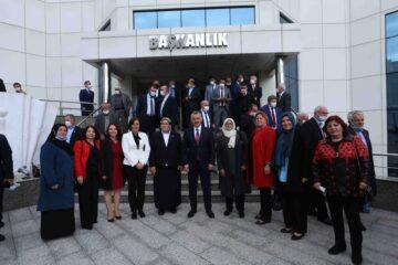 Büyükşehir Belediye Başkanı Doç. Dr. Tahir Büyükakın